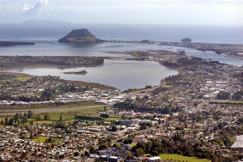 Bird's eye view for Tauranga City